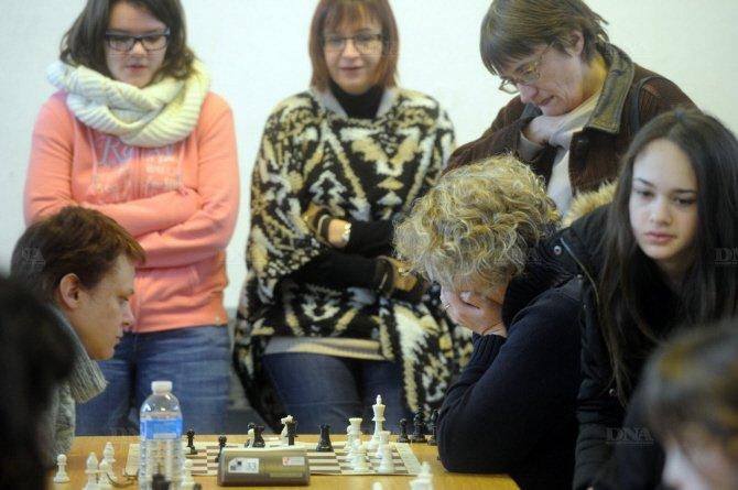Savoir anticiper les coups du joueur adverse, c'est cela aussi les échecs. Photos DNA – Franck Delhomme