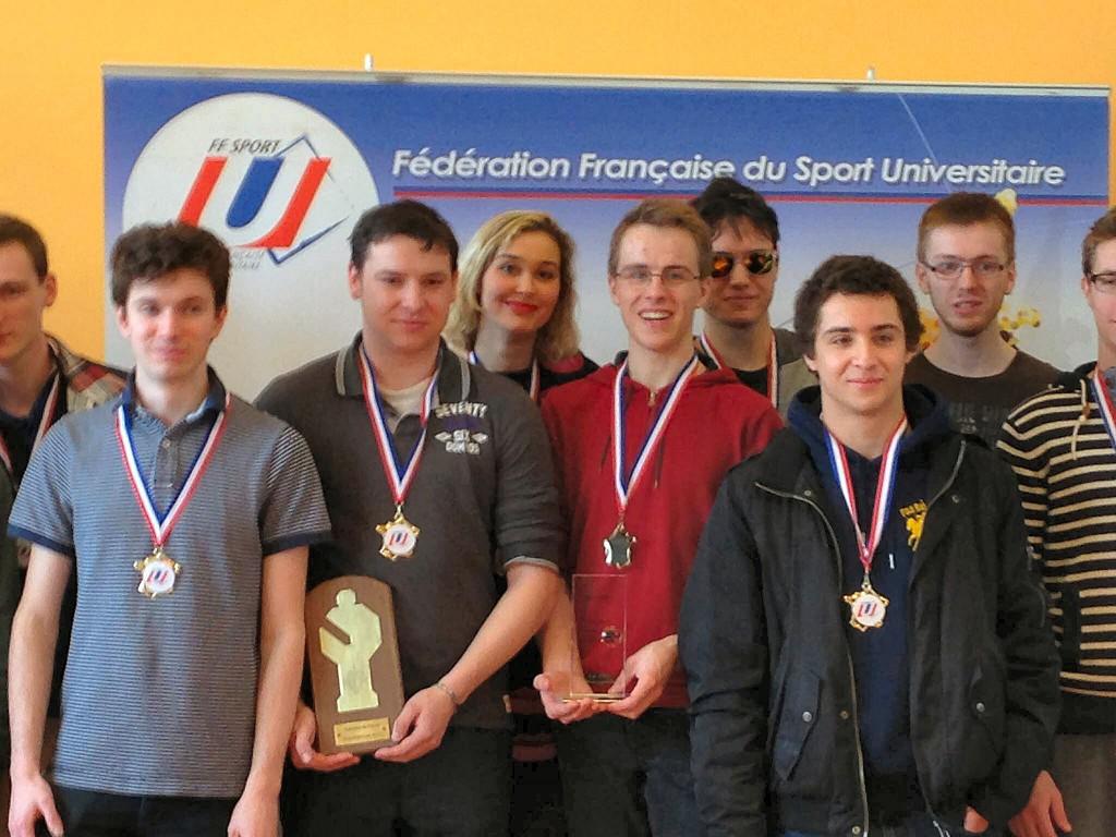 De gauche à droite, l'équipe de l'Université de Strasbourg : Nicolas Blum, Thomas Dubois, Noémie Haller, Matthieu Loew, Sylvain Degardin