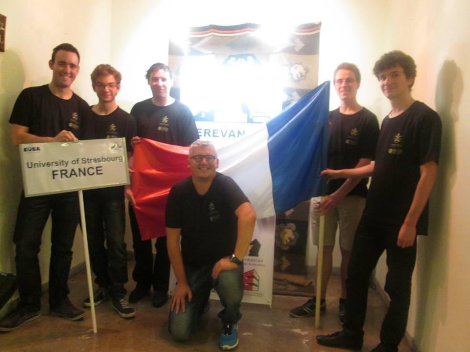 De gauche à droite : Alain Genzling, Florian Daeschler, Thomas Dubois, Hervé Engelmann (coach), Matthieu Loew, Nicolas Blum