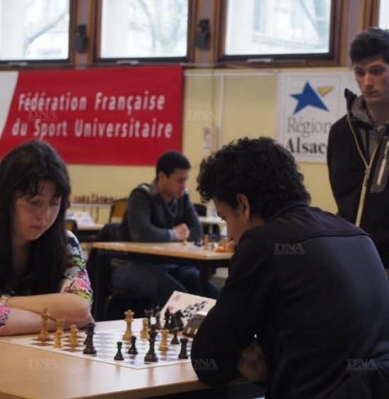 Les rois des échecs face à face