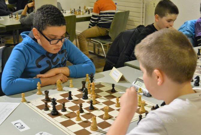 Beaucoup de jeunes ont participé à cet open d'échecs. Photo DNA