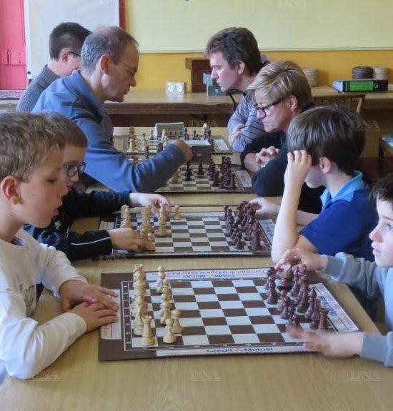 L'initiation aux échecs attire de plus en plus