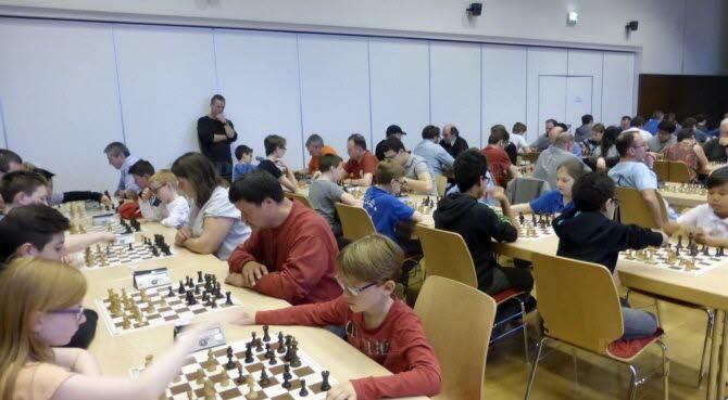 Ambiance studieuse au club d''échecs de Mundolsheim. Photo DNA